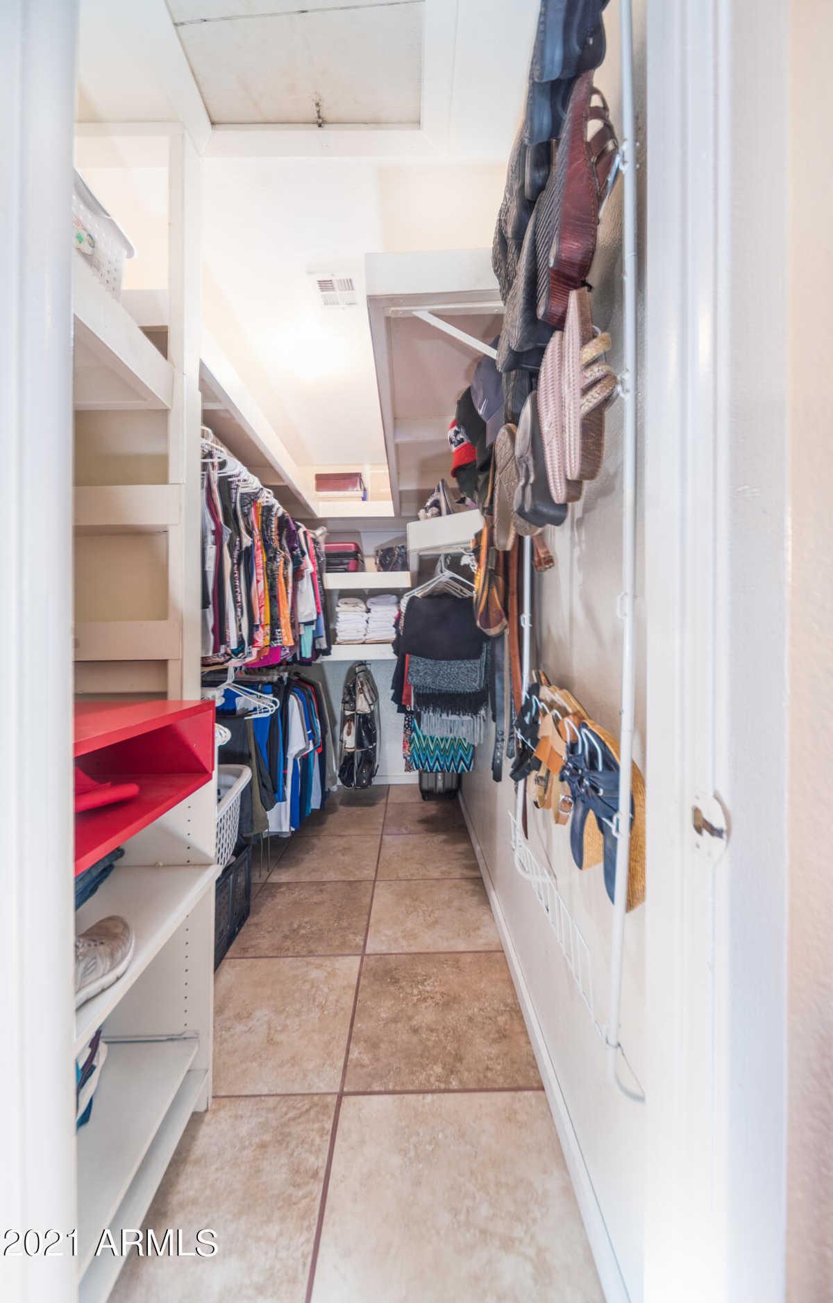 $300,000 - 3Br/1Ba - Home for Sale in Vista Grande, Phoenix
