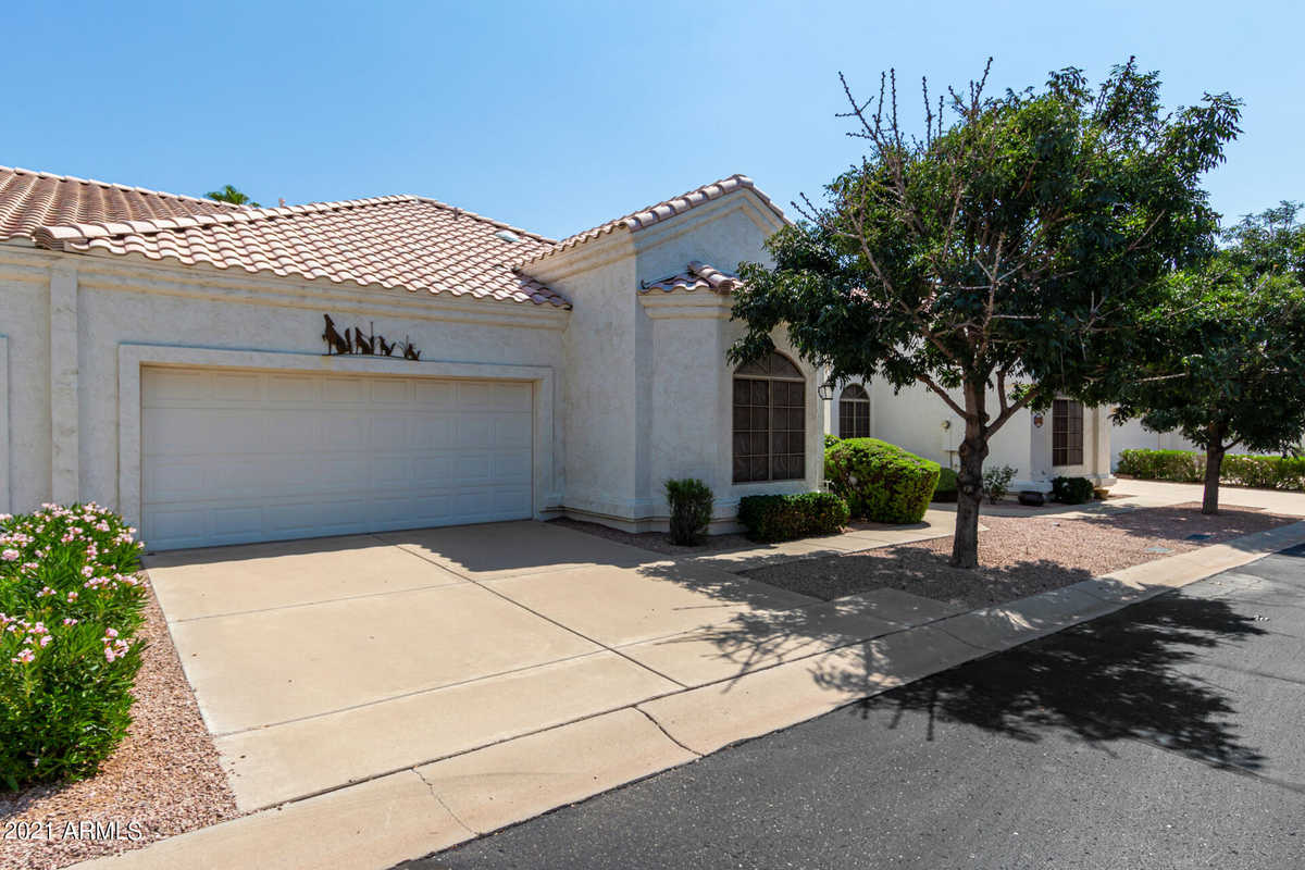 $300,000 - 3Br/2Ba -  for Sale in Hearthstone Villas At Superstition Springs, Mesa