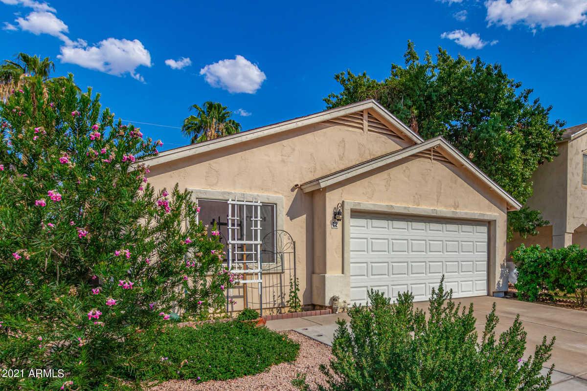 $349,900 - 3Br/2Ba - Home for Sale in Vista Villages Unit Two, Mesa