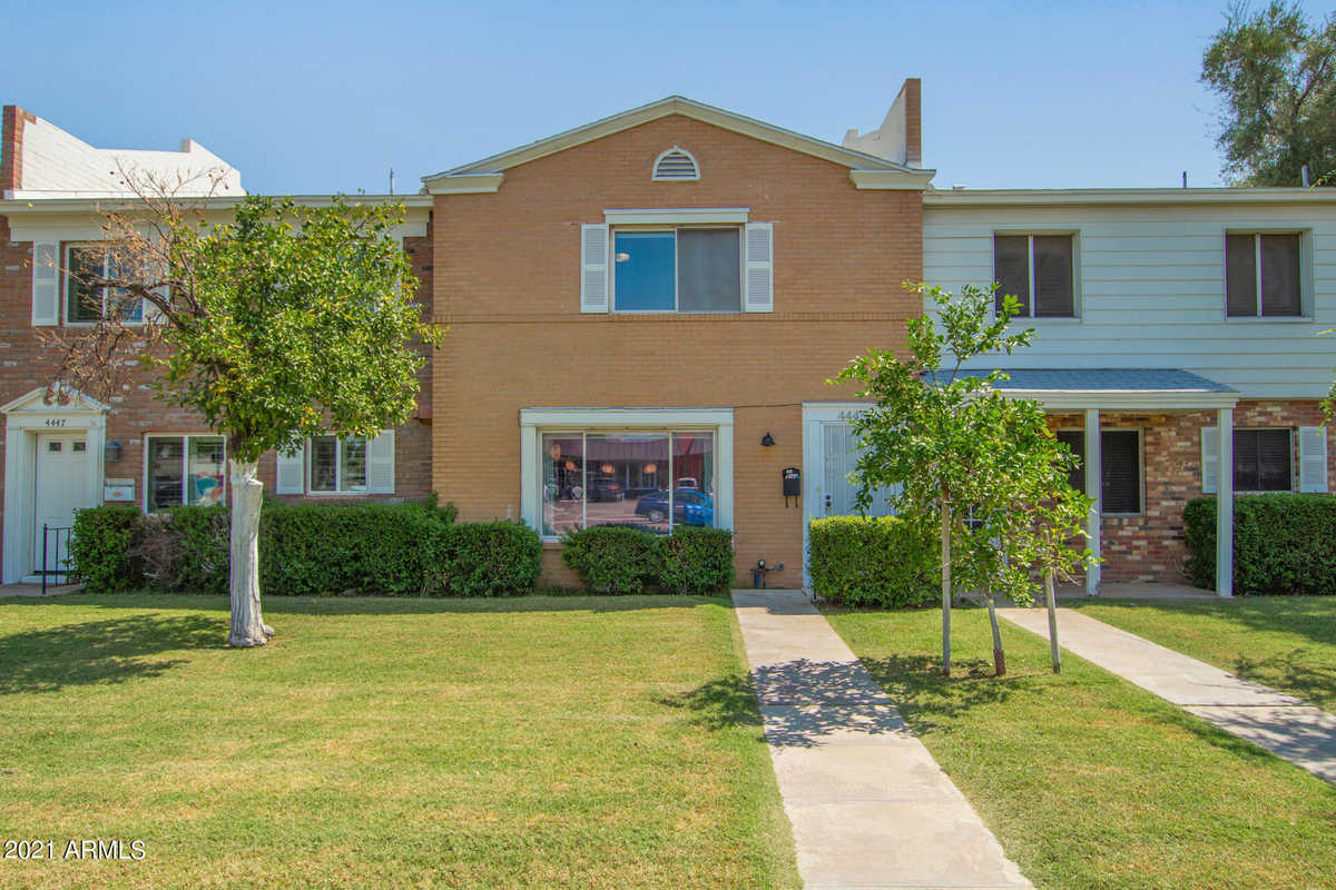 $545,000 - 3Br/2Ba -  for Sale in Williamsburg Square Condominiums, Phoenix
