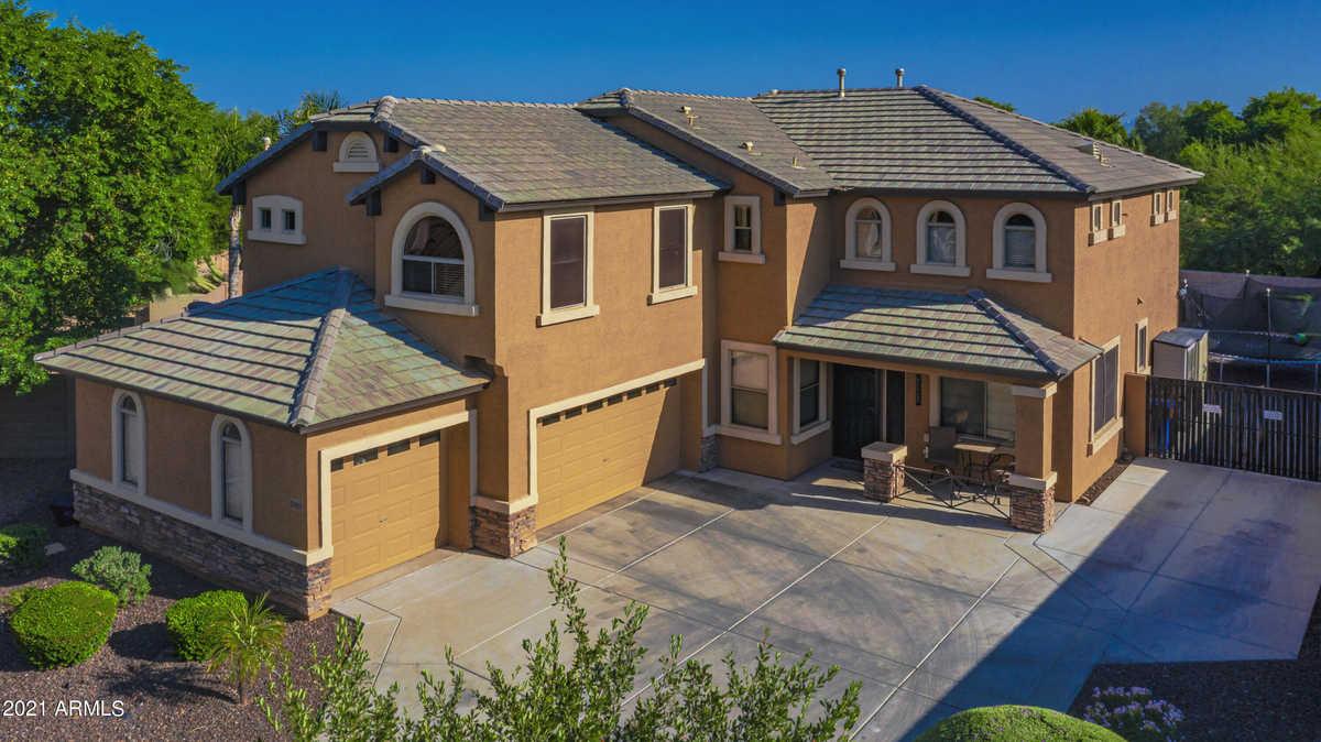 $599,800 - 4Br/3Ba - Home for Sale in Litchfield Manor Parcel 10, Surprise