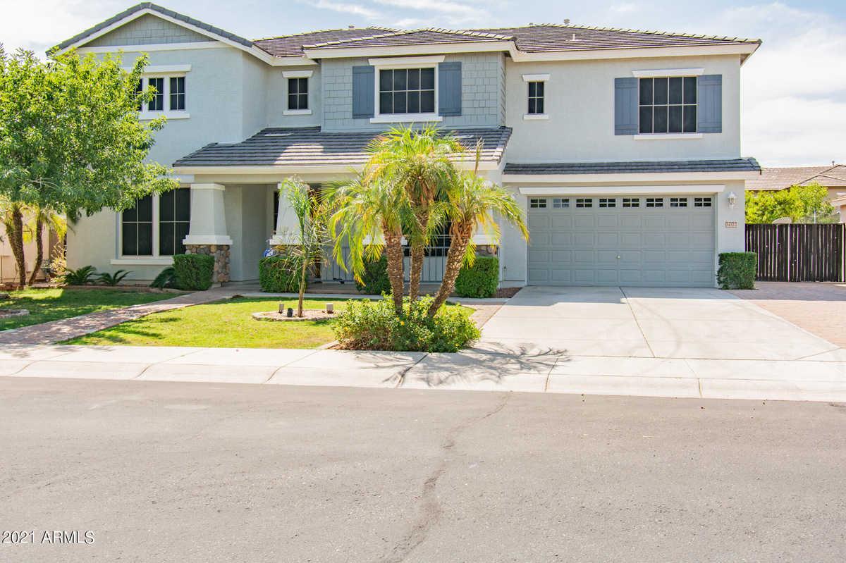 $650,000 - 6Br/4Ba - Home for Sale in Royal Ranch Unit 2 Parcel 8, Surprise