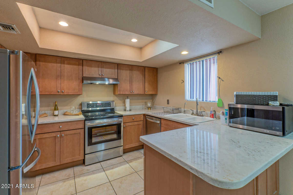 $275,000 - 1Br/1Ba -  for Sale in Anasazi Village Condominiums, Phoenix