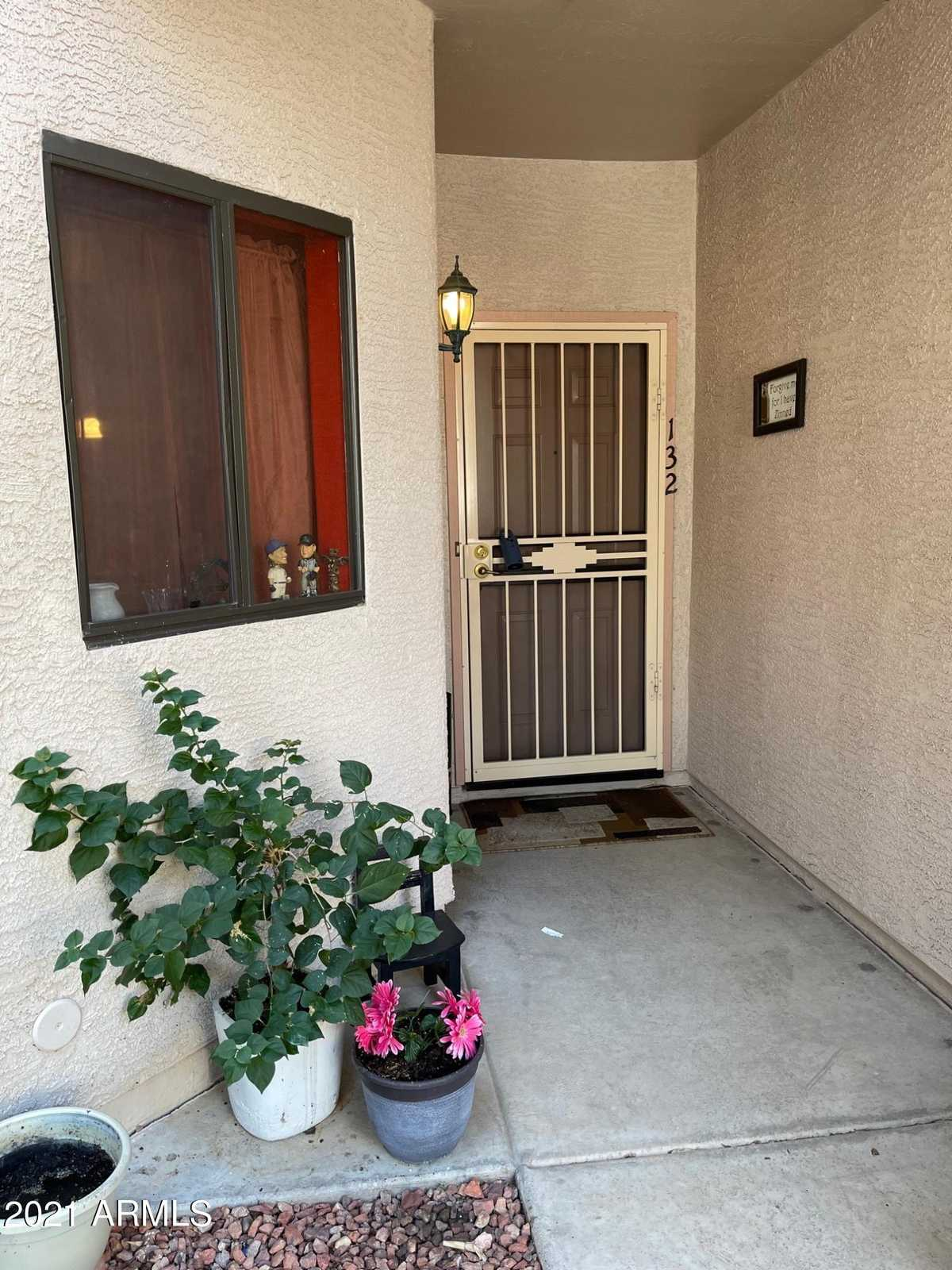 $174,900 - 1Br/1Ba -  for Sale in Greenway Palms, Peoria