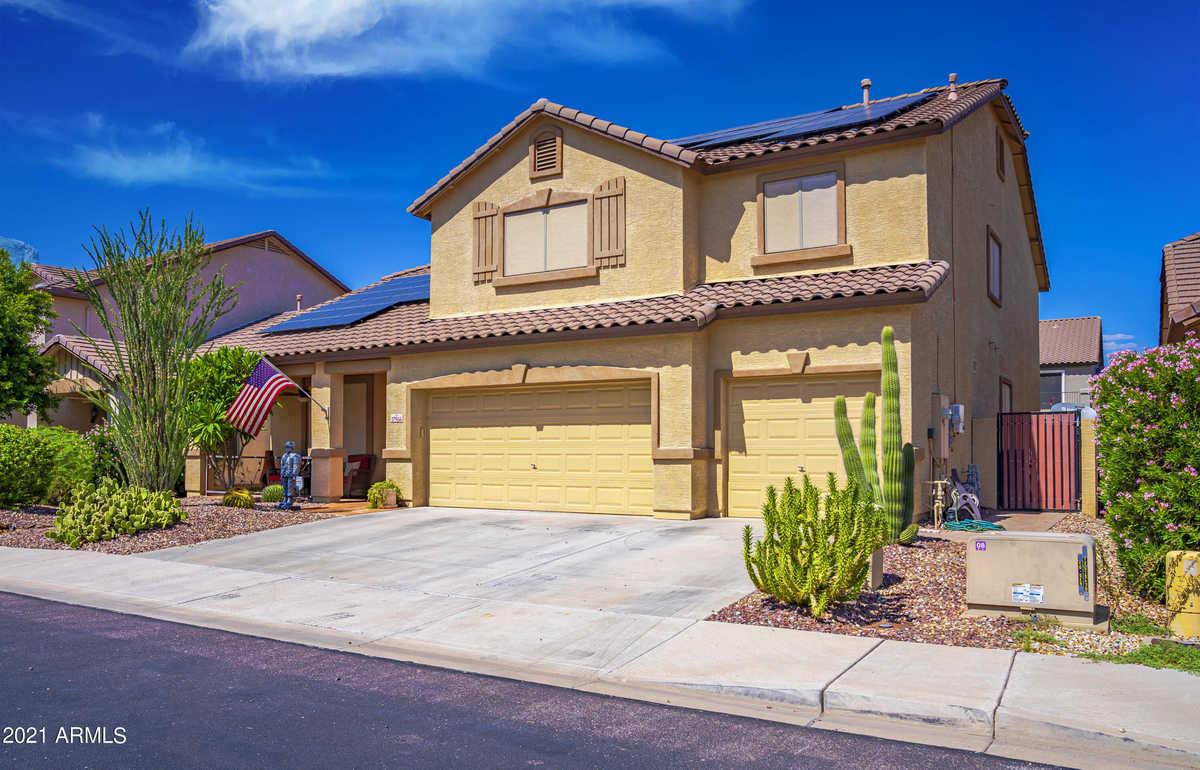 $630,000 - 4Br/3Ba - Home for Sale in Surprise Farms Phase 4 Parcel 6, Surprise