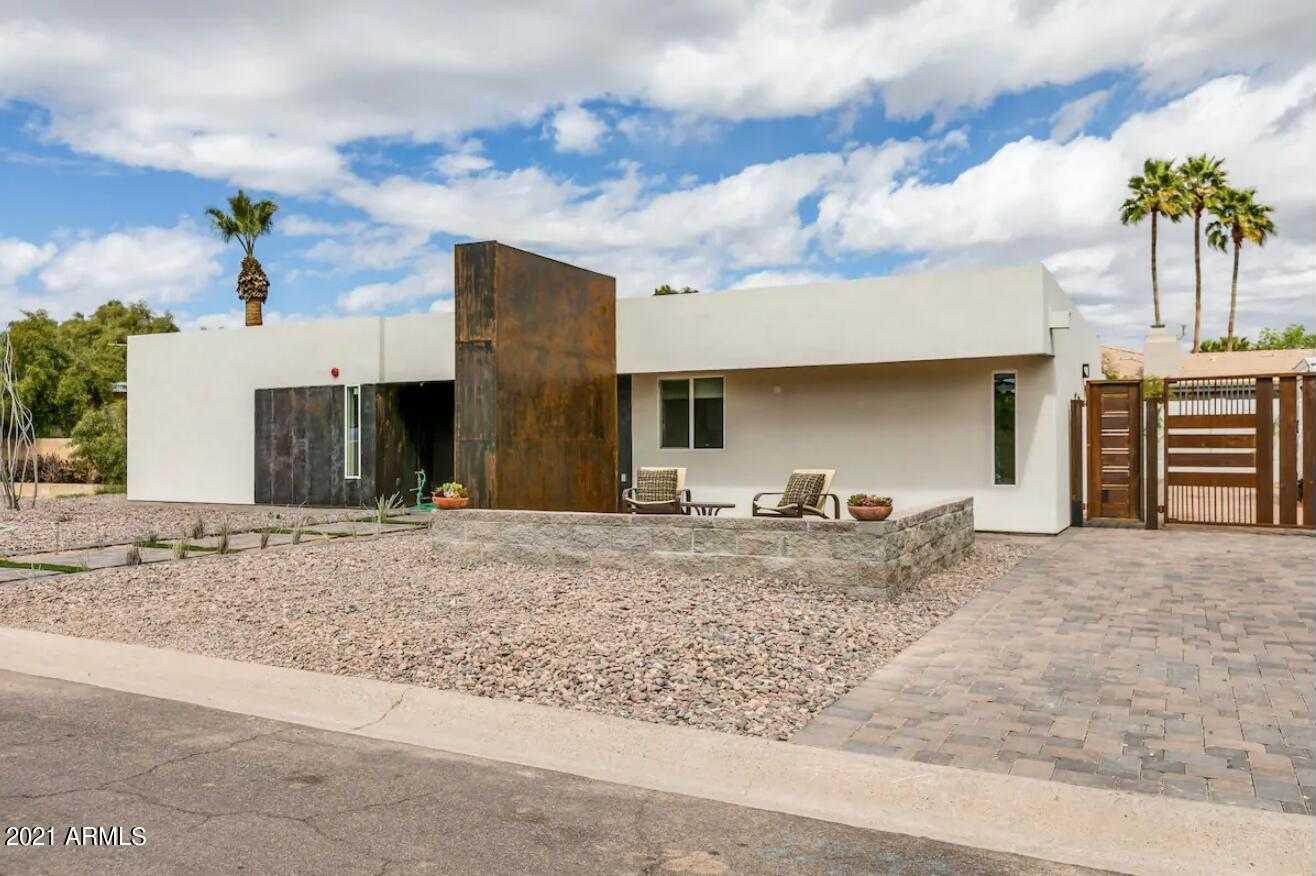 $1,218,500 - 3Br/2Ba - Home for Sale in Camelback Park Estates, Paradise Valley