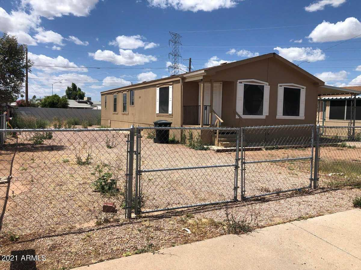 $210,000 - 3Br/2Ba -  for Sale in Country Life Unit 2, Mesa