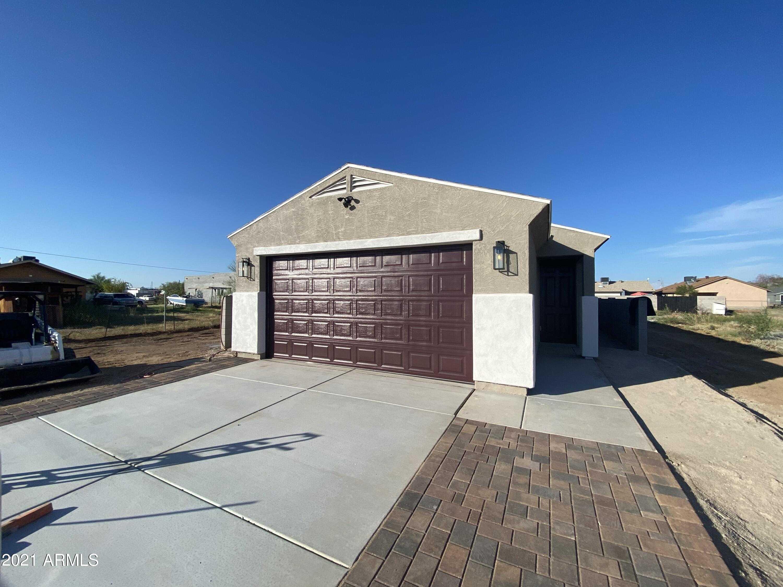 $295,000 - 3Br/2Ba - Home for Sale in Nadaburg Townsite Blocks 34 43 Thru 45 48 Thru 52, Wittmann