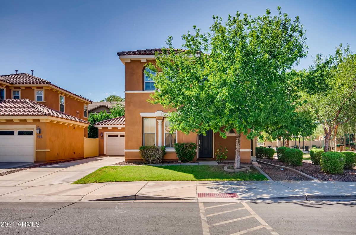 $539,900 - 3Br/3Ba - Home for Sale in Tempe Village, Tempe