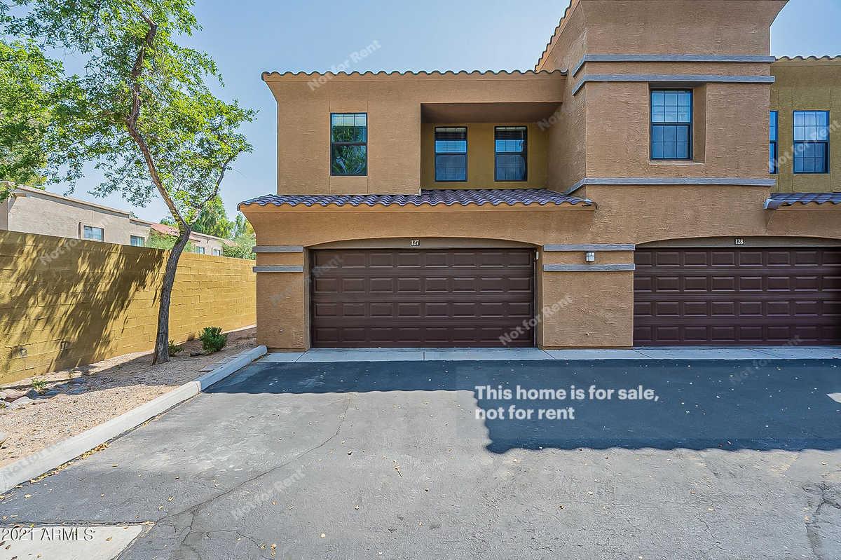 $325,000 - 3Br/3Ba -  for Sale in Andrew Estates, Phoenix