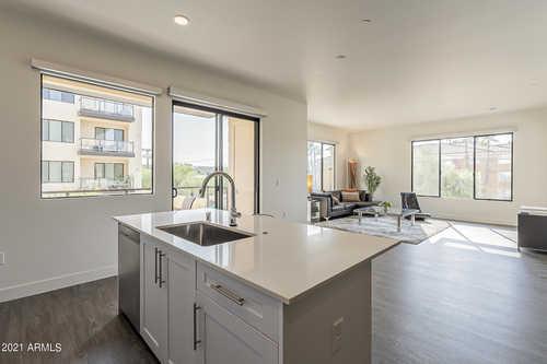 $670,000 - 2Br/3Ba -  for Sale in Inspire, Scottsdale