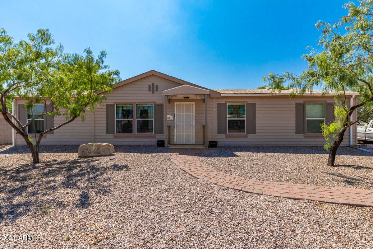 $270,000 - 3Br/2Ba -  for Sale in Prt Of Lot 26 In Nw Sw Of Sec 18-1n-8e Com At Sw C, Apache Junction