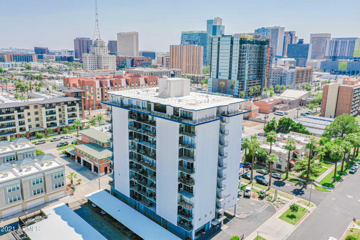 $295,000 - 1Br/1Ba -  for Sale in Embassy Condominiums, Phoenix
