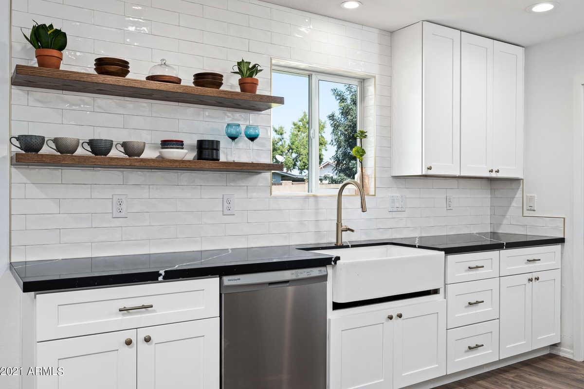 $425,000 - 3Br/2Ba - Home for Sale in Newcastle Village Unit 3, Phoenix