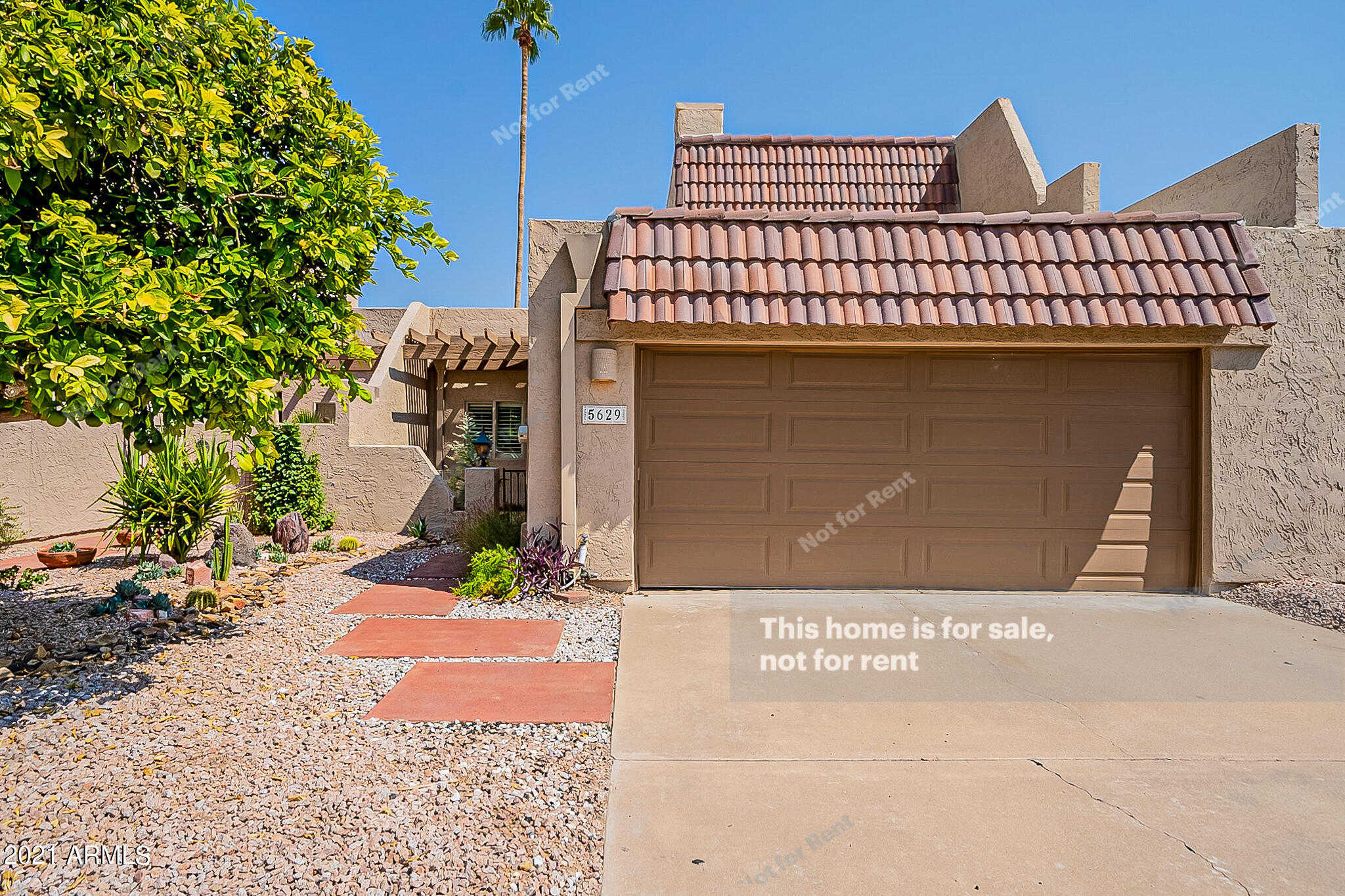 $643,000 - 3Br/3Ba -  for Sale in Camelback Mountain View Estates, Scottsdale