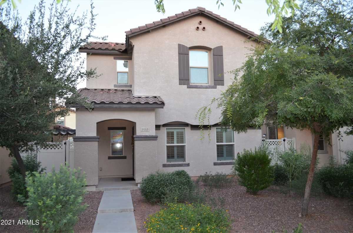$400,000 - 3Br/3Ba - Home for Sale in Copper Ranch Amd, Gilbert