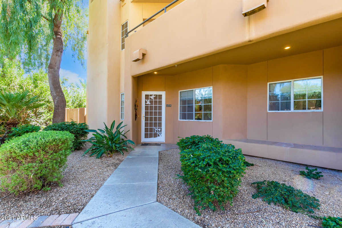 $470,000 - 2Br/2Ba -  for Sale in Courts At Gainey Ranch, Scottsdale