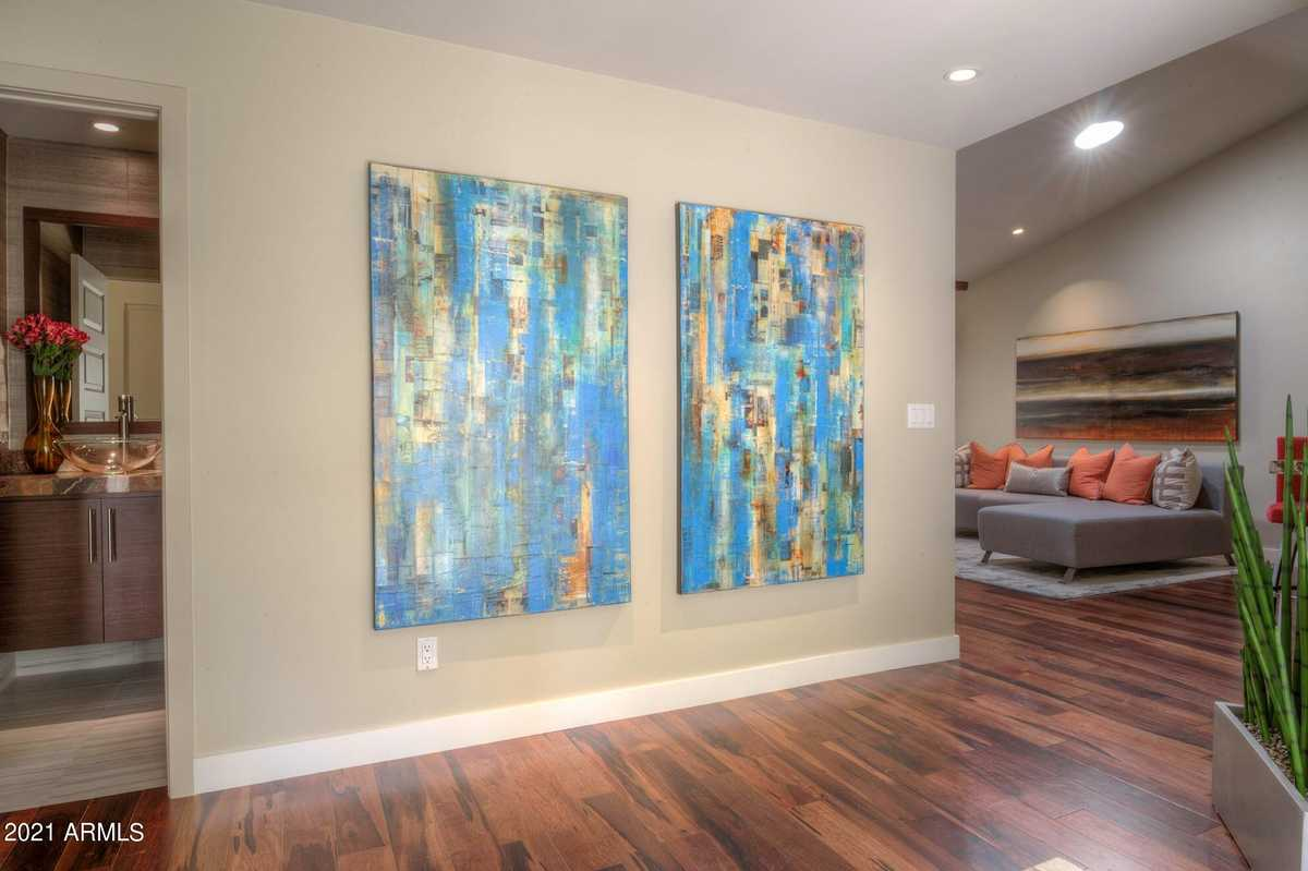 $475,000 - 3Br/2Ba -  for Sale in Parkside At The Galleria, Tempe