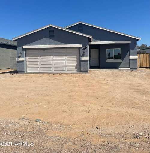 $340,000 - 4Br/2Ba - Home for Sale in Nadaburg Townsite Blocks 34 43 Thru 45 48 Thru 52, Wittmann