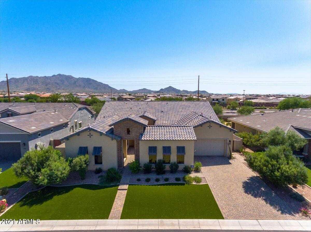 $1,290,000 - 5Br/5Ba - Home for Sale in Calliandra Estates, Gilbert