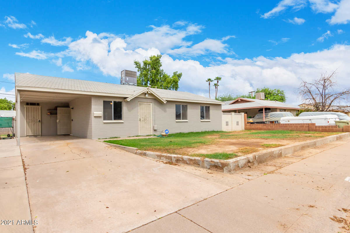 $299,999 - 3Br/2Ba - Home for Sale in Maryvale Terrace 21 Lts 7803-7913 & Tr A, Glendale