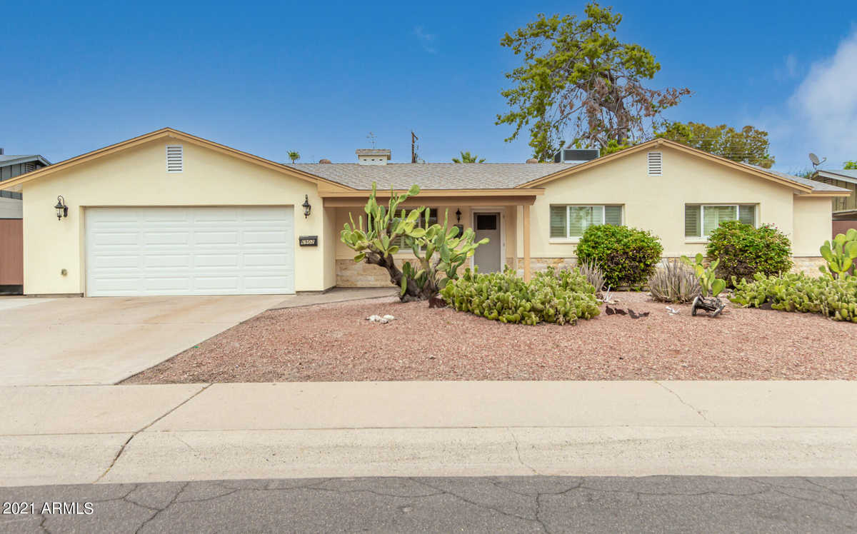 $635,000 - 3Br/2Ba - Home for Sale in Papago Parkway 4, Scottsdale