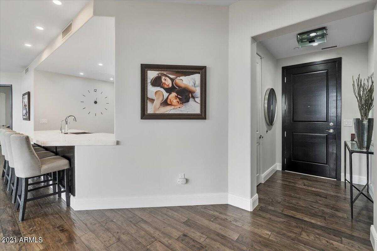 $1,300,000 - 3Br/3Ba -  for Sale in Landmark Condominium 2 2nd Amd, Scottsdale