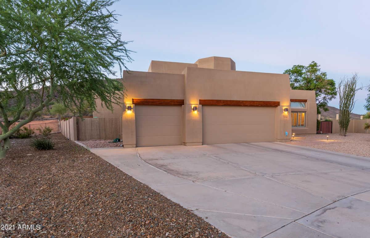 $975,000 - 4Br/3Ba - Home for Sale in Arrowhead Ranch Parcel 1, Glendale