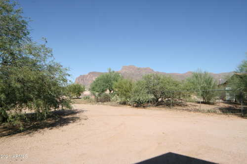 $540,000 - 5Br/4Ba - Home for Sale in S25 T1n R8e, Apache Junction