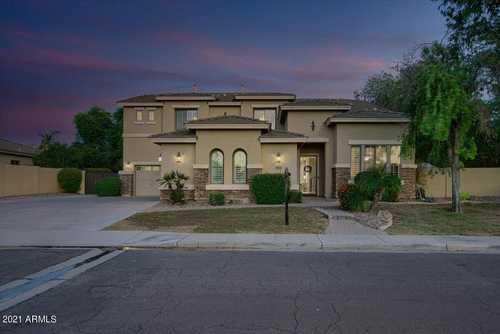 $899,900 - 5Br/5Ba - Home for Sale in Pinelake Estates, Chandler