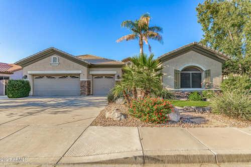 $660,000 - 4Br/3Ba - Home for Sale in Sun River Parcel B, Chandler