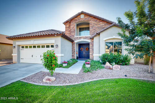 $689,000 - 5Br/3Ba - Home for Sale in Marbella Vineyards Phase 1, Gilbert