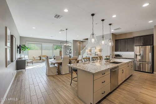 $725,000 - 3Br/3Ba -  for Sale in Silverstone, Scottsdale
