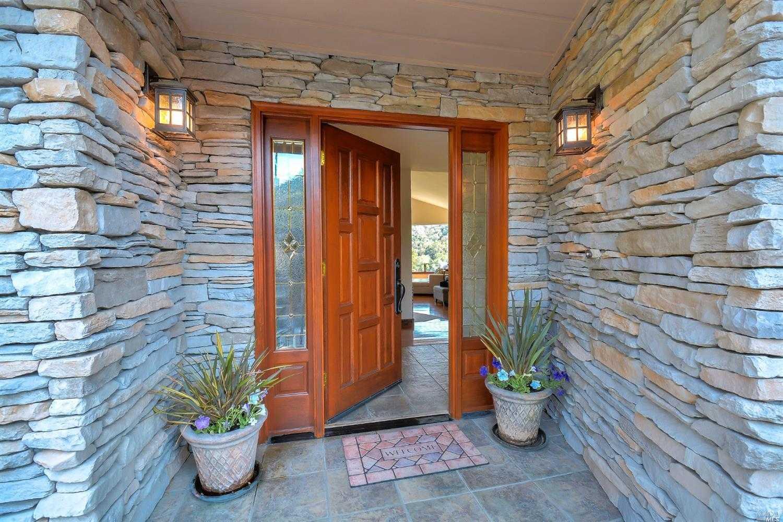 5283 Vista Grande Dr Santa Rosa, CA 95403