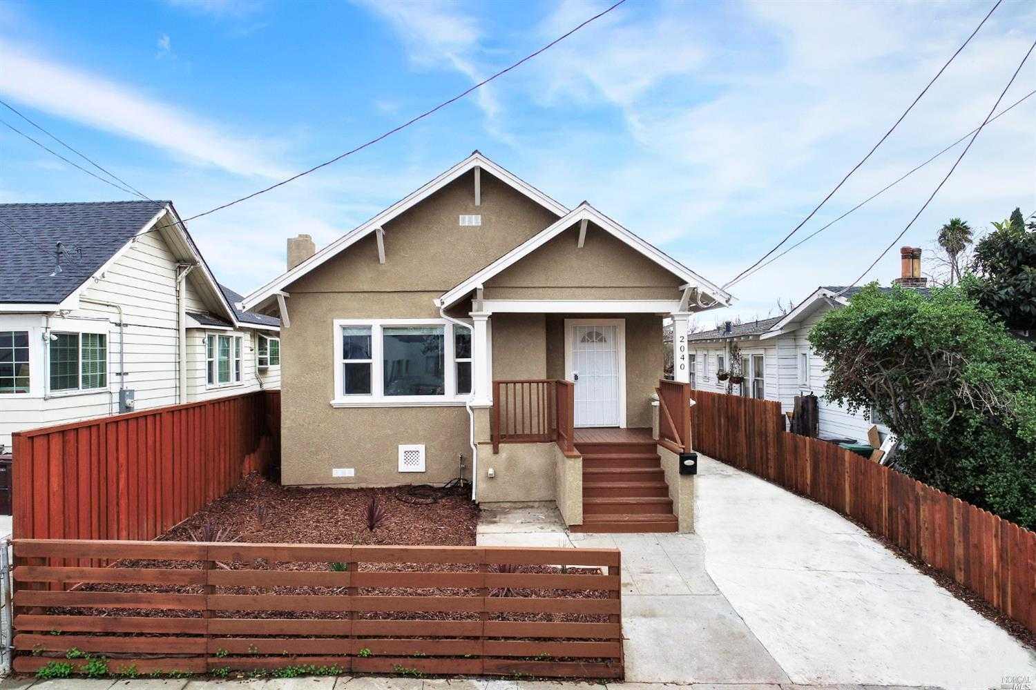 $699,000 - 4Br/2Ba -  for Sale in Oakland