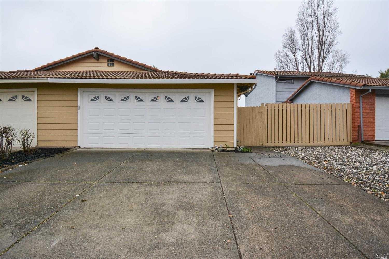 $364,900 - 3Br/1Ba -  for Sale in Fairfield