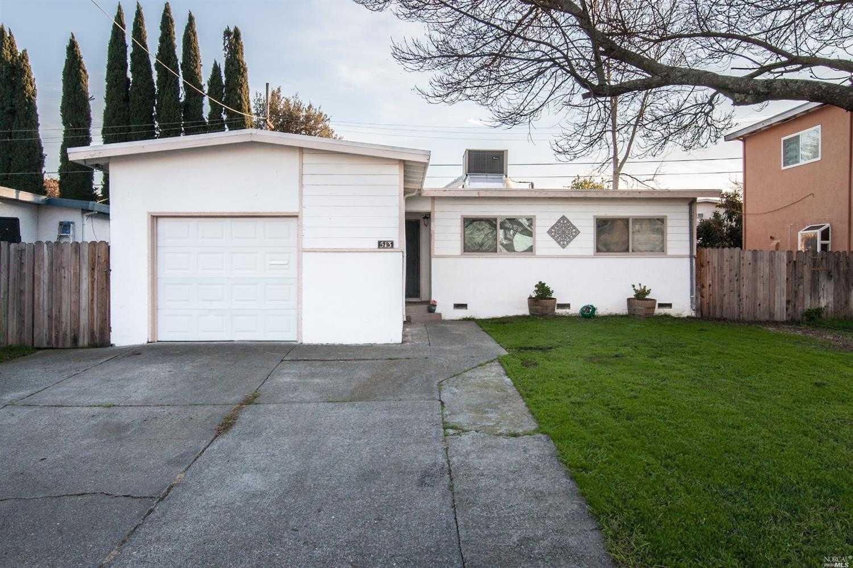 $376,000 - 4Br/2Ba -  for Sale in Fairfield