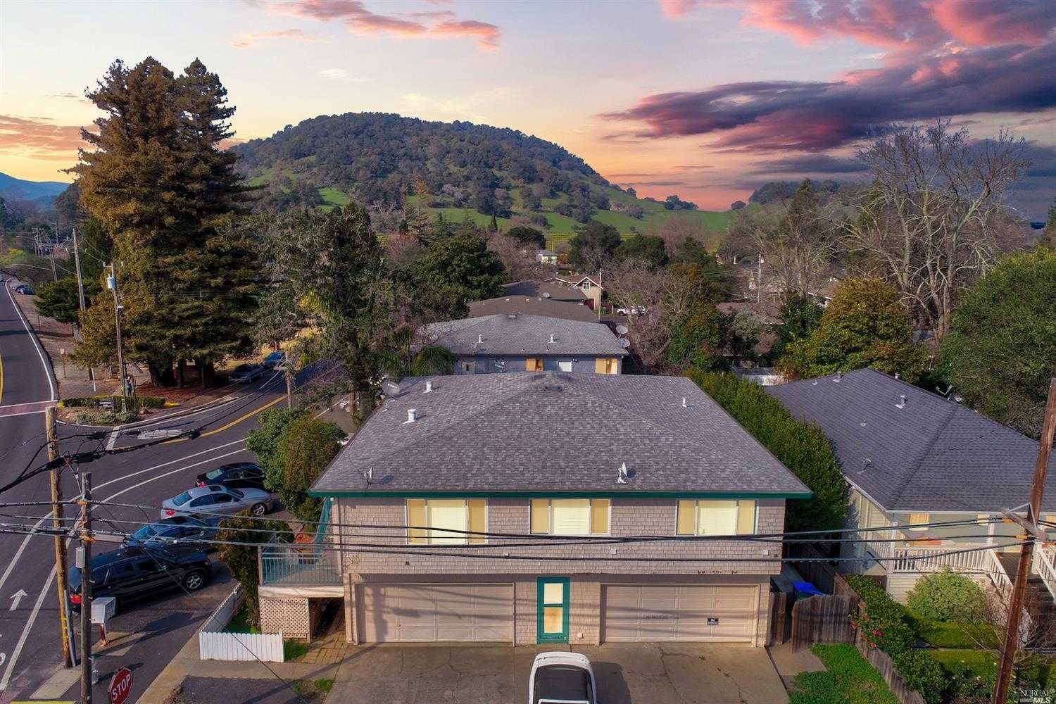 $1,700,000 - 6Br/3Ba -  for Sale in Yountville
