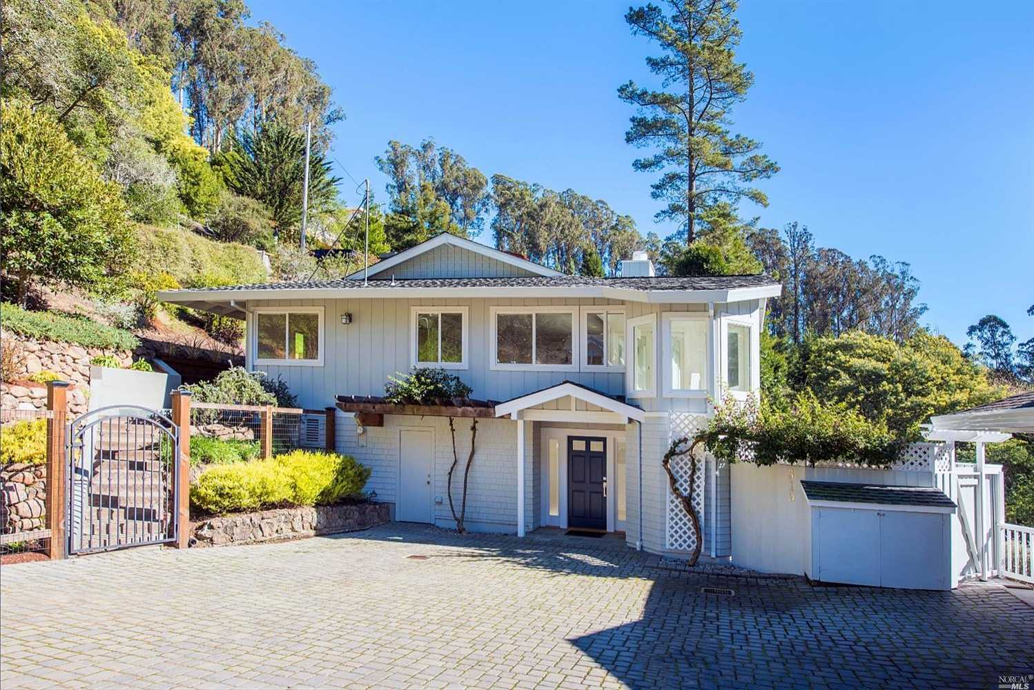 $1,795,000 - 4Br/3Ba -  for Sale in Mill Valley