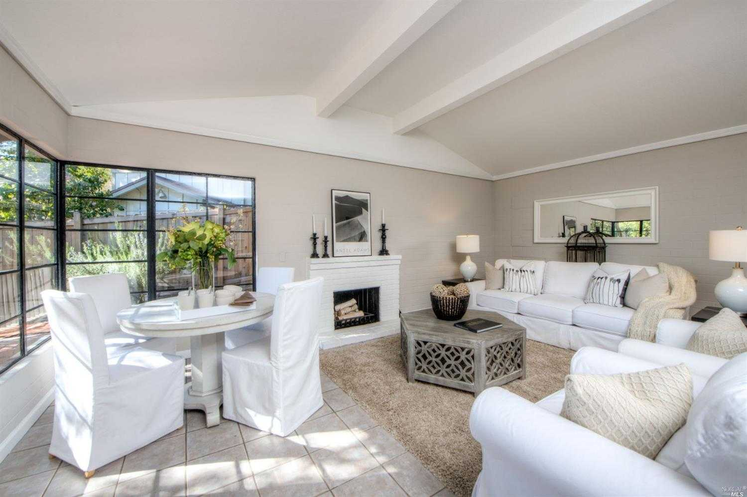 $1,250,000 - 3Br/2Ba -  for Sale in Mill Valley