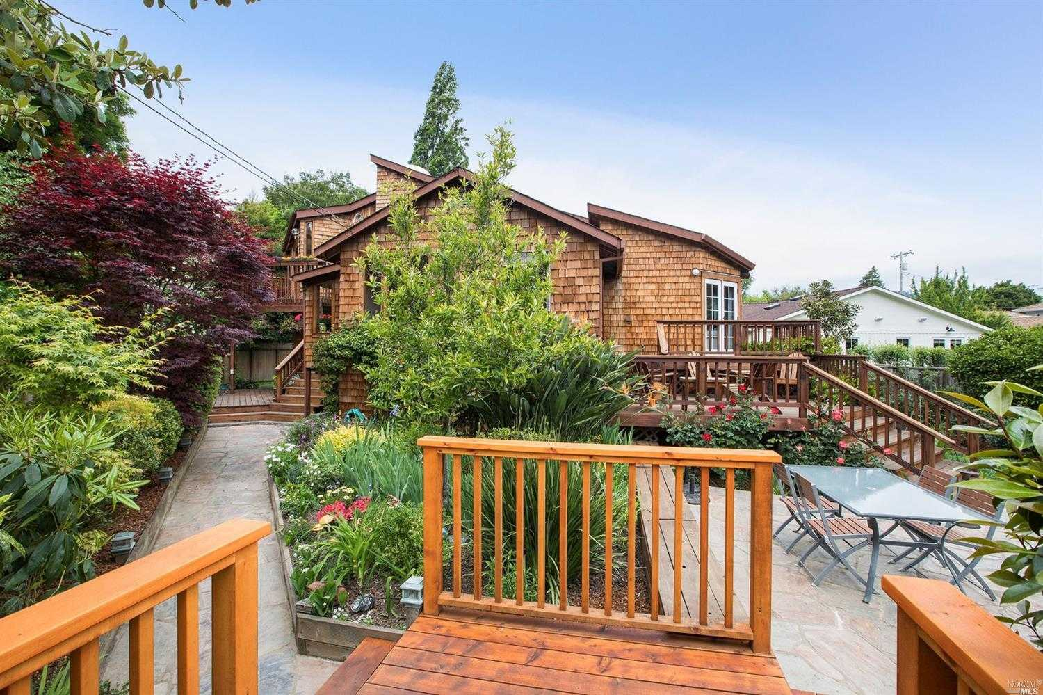 $1,700,000 - 3Br/2Ba -  for Sale in Mill Valley
