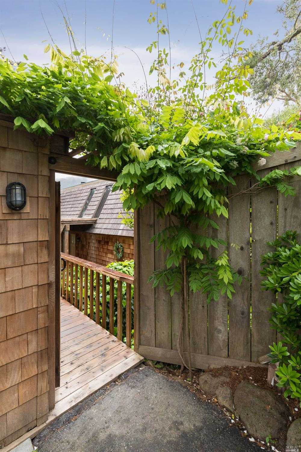 $995,000 - 3Br/2Ba -  for Sale in Mill Valley