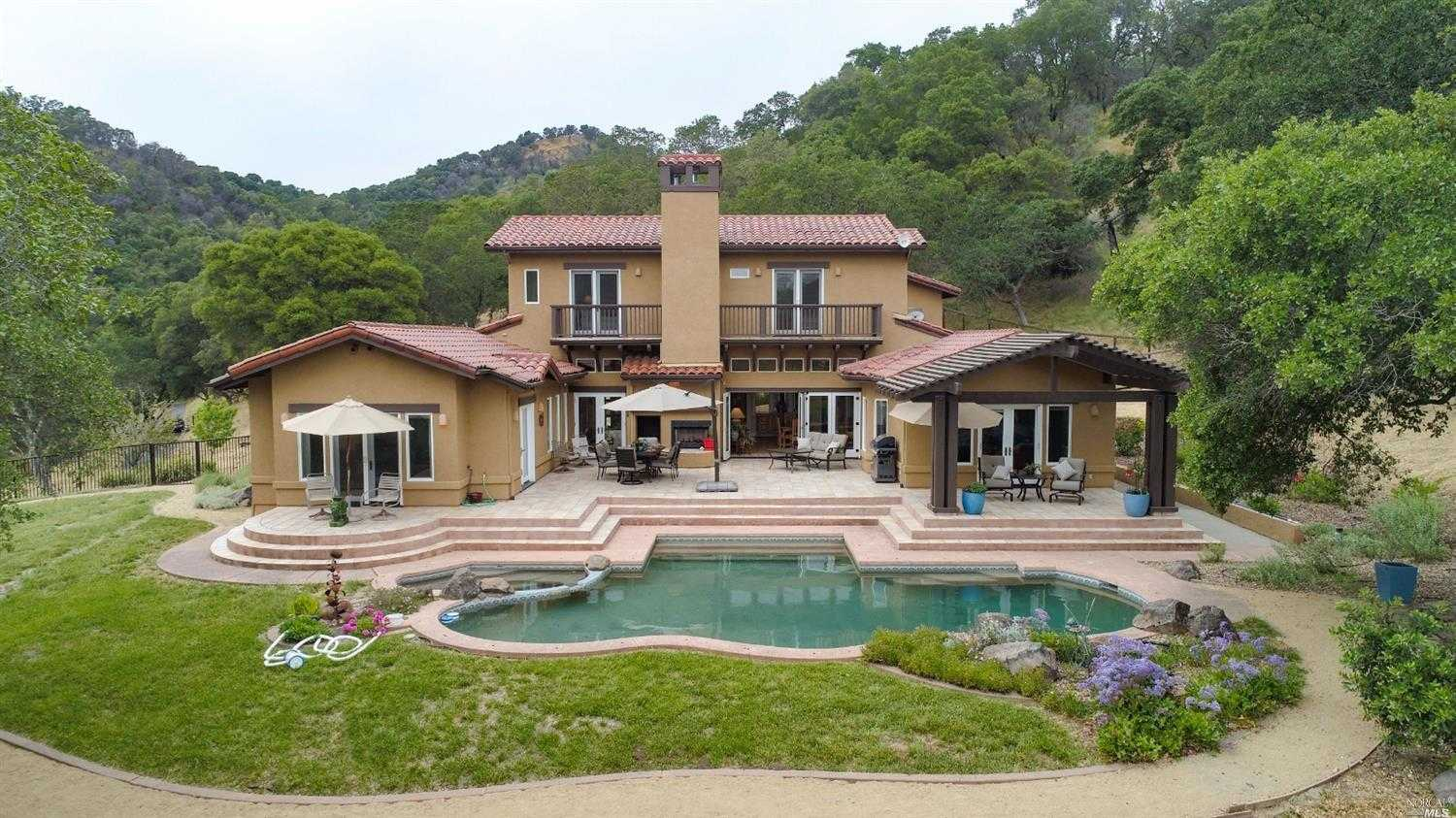 $2,400,000 - 3Br/4Ba -  for Sale in Napa