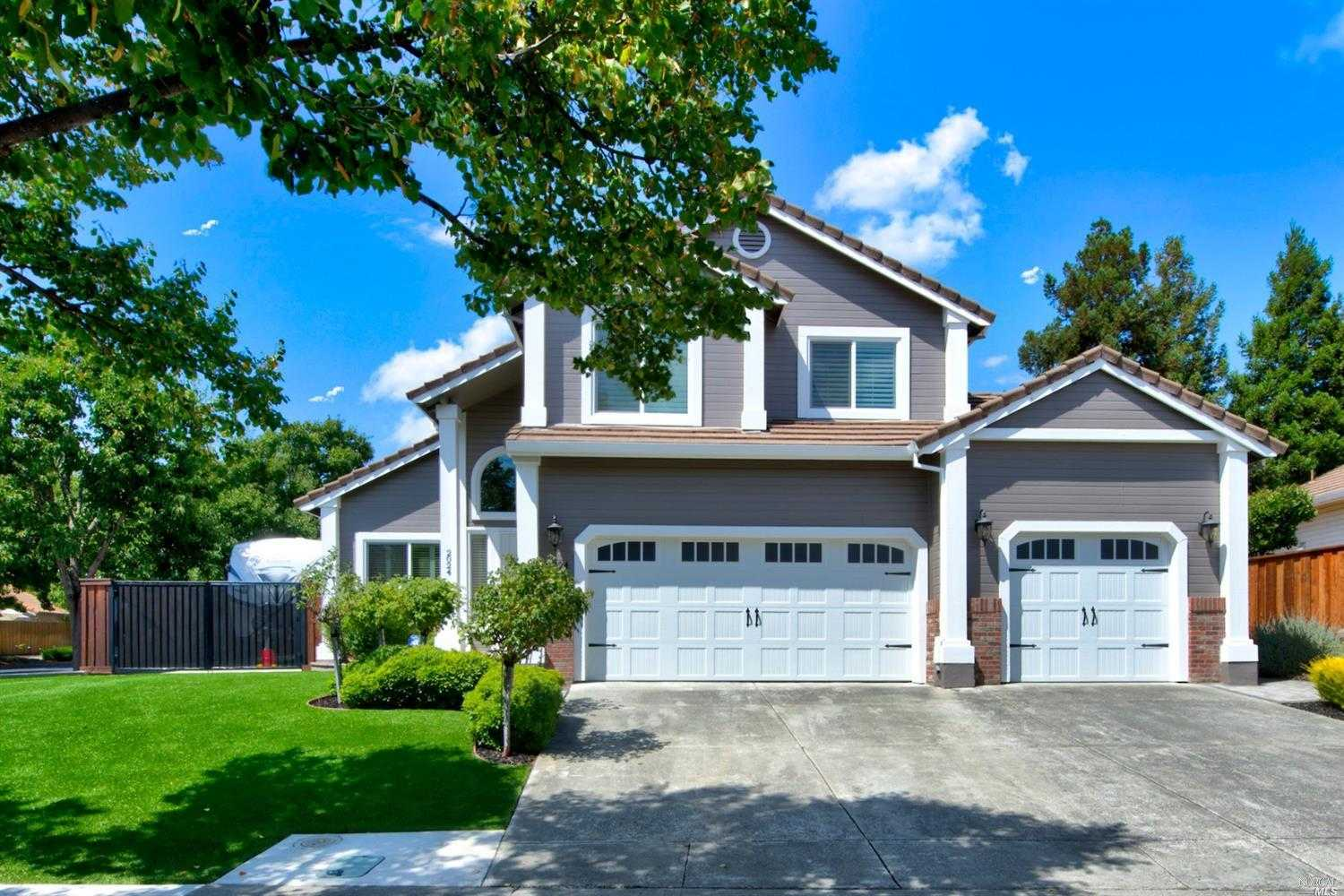 $609,500 - 4Br/3Ba -  for Sale in Rolling Hills, Fairfield