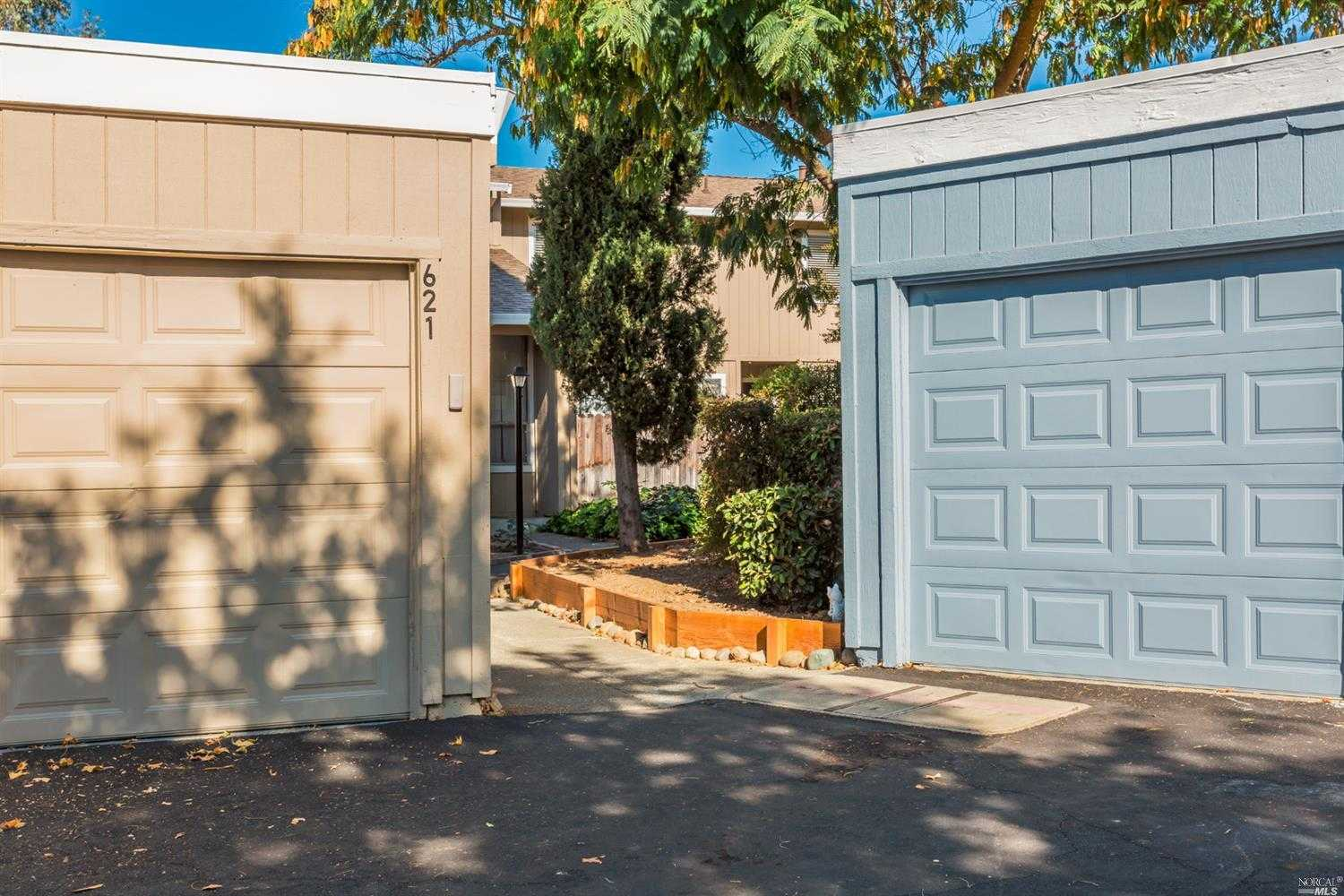 $359,000 - 4Br/3Ba -  for Sale in Vacaville