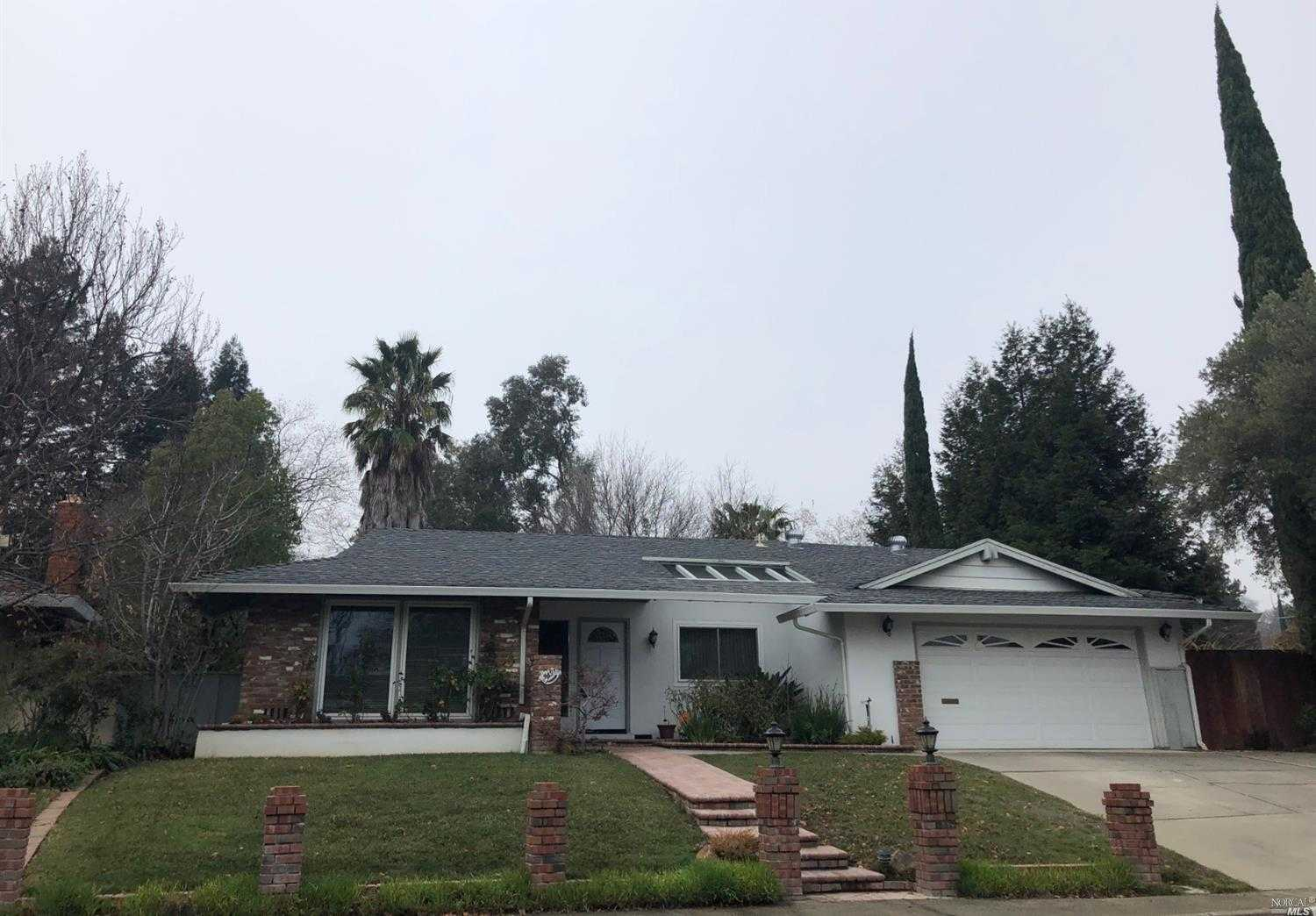 $445,000 - 4Br/2Ba -  for Sale in Vacaville