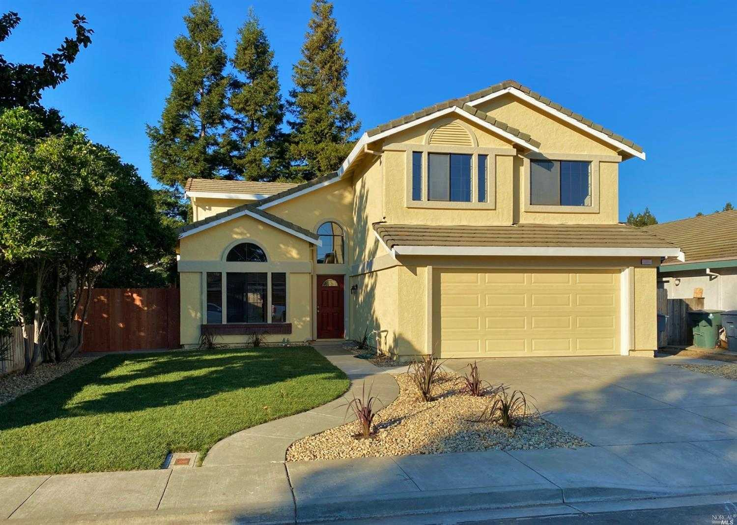 $530,000 - 4Br/3Ba -  for Sale in Nut Tree Landing, Vacaville