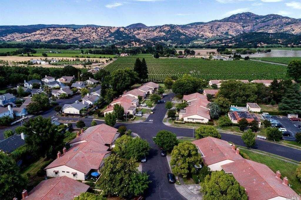 $838,000 - 2Br/2Ba -  for Sale in Yountville
