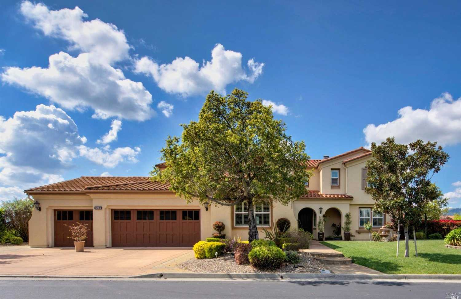 $1,058,000 - 5Br/4Ba -  for Sale in Fairfield