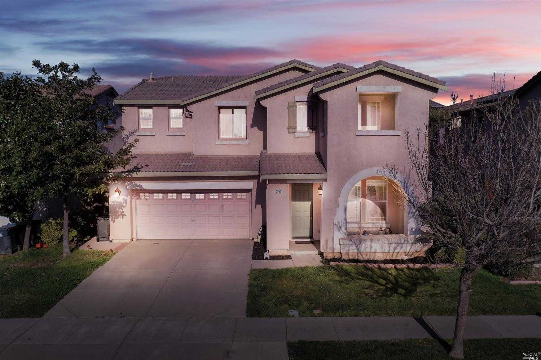 $499,000 - 5Br/3Ba -  for Sale in Fairfield